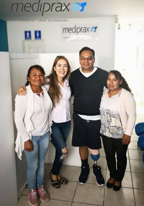 coofundadora-Belen-Gris-paciente-usuario-de-prótesis-pierna-y-familiares
